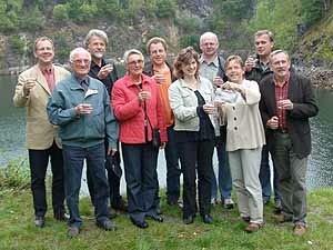 Mitglieder der Initiative Trinkwasser e.V. beim Pressetermin im Steinbruch Fuchshöhlen.